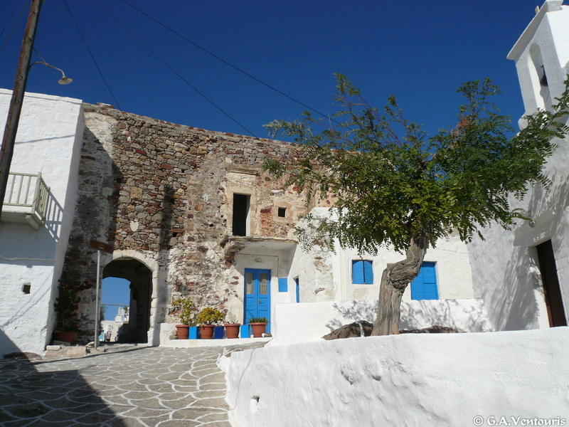Kimolos - The castle and Chorio