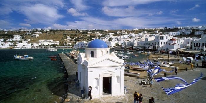 Mykonos - Churches in Chora