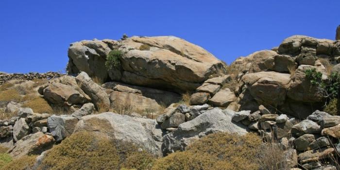 Mykonos - The granite rocks of Mykonos