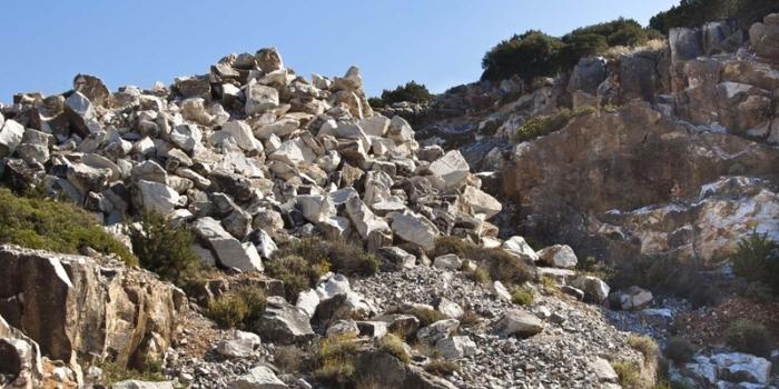Paros - The ancient quarries