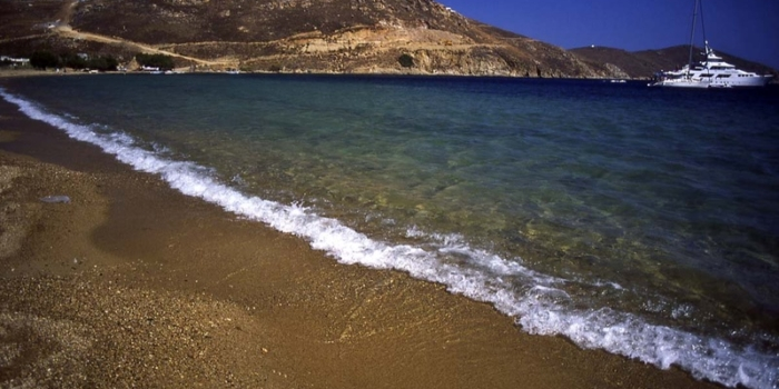 CYCLADES – SERIFOS © Clairy Moustafellou Livadi beach