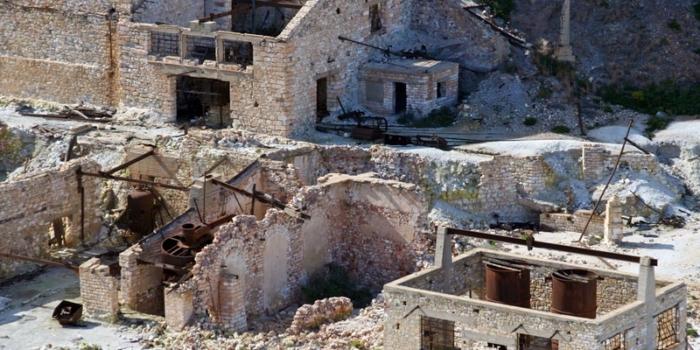 Milos - Τα ορυκτά της Μήλου