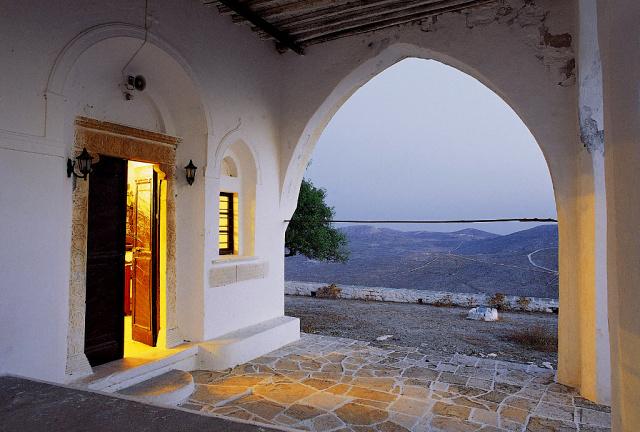 Folegandros - Η Παναγία της Χώρας