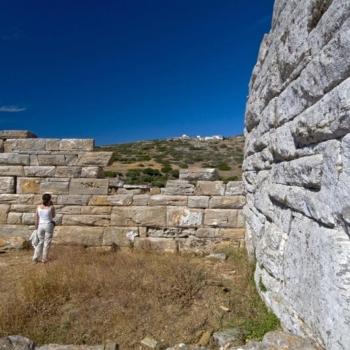 Amorgos - Ο Πύργος της Αγίας Τριάδας