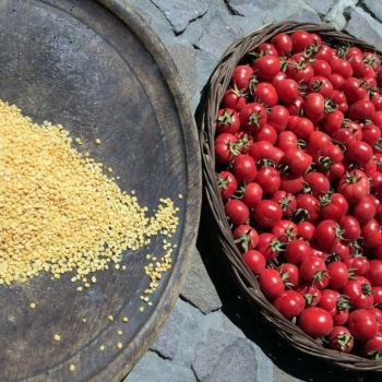 Tomataki and Fava: Santorini Local products